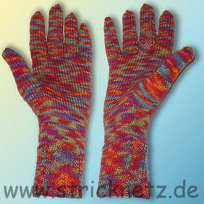 handschuhe stricken teil 1 daumenkeil f r f ustlinge handschuhe pictures to pin on pinterest. Black Bedroom Furniture Sets. Home Design Ideas